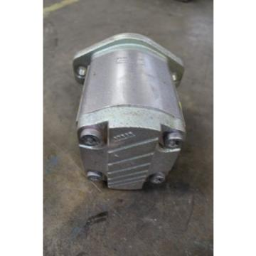 """NOS India Germany REXROTH 9510490010 FD109 HYDRAULIC PUMP 1-1/2"""" NPT INLET 1-1/4"""" NPT OUTLET"""