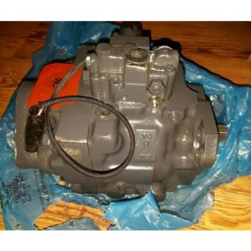Komatsu hydraulic steering pump for WA380-6 Wheel Loader