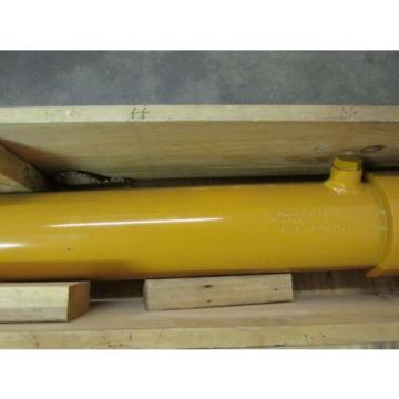 NEW NOS LOT OF 2 Komatsu 933489C93 911442 Hydraulic Cylinder Front Loader