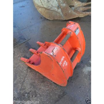 "18"" KOMATSU PC30/35 Digging bucket Pin 35mm D/W 145mm C/C 200mm (674/721)"