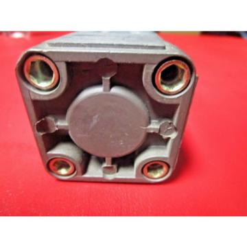Rexroth France Germany P68174-3070, Pneumatic Cylinder, 1-1/2 x 7, L294, 200 PSI