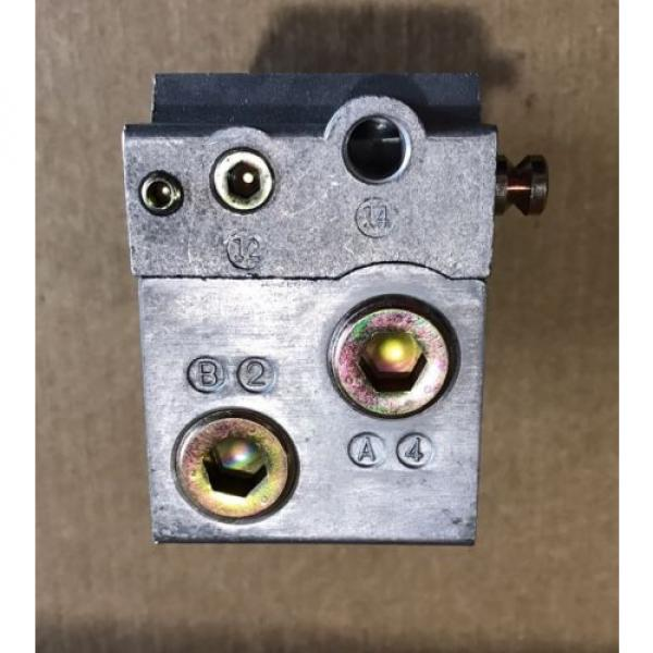 P68430 Korea Singapore Ceram Valve Subplate Rexroth/Wabco/American Standard #3 image