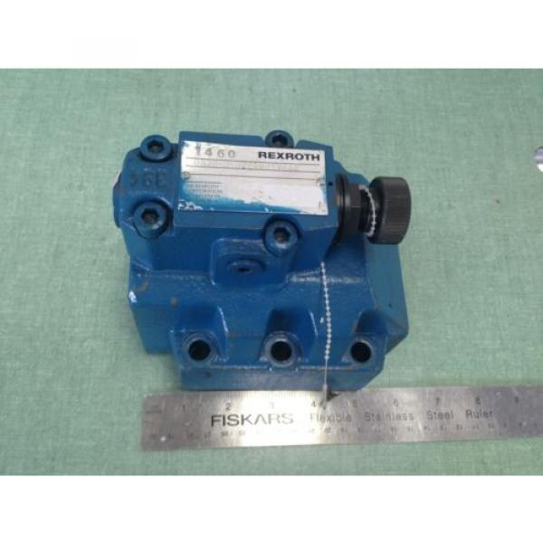 NEW India Canada OLD REXROTH DR30-5-52/100YV/12 HYDRAULIC VALVE #1 image
