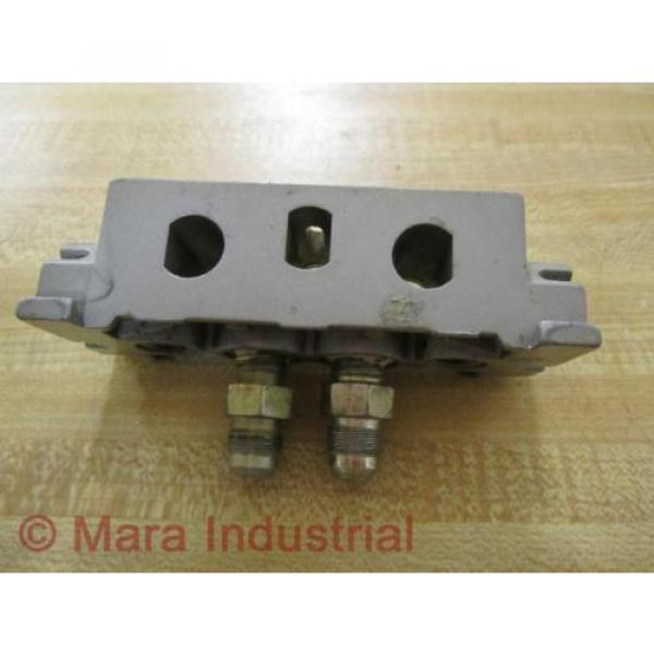 Rexroth France Egypt Bosch Group 1 825 503 813 Manifold - Used #1 image