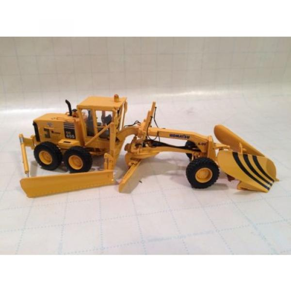 First Gear Conrad NZG Komatsu GD655 motorgrader with Snow Wing and V plow #1 image