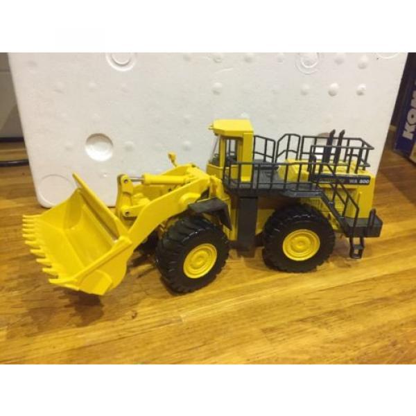 Joal Komatsu WA800 - 3 Wheel Loader/ Loading Shovel 1:50th Scale #1 image