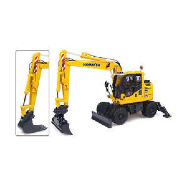 Komatsu PW148-10 Wheeled Excavator - 1:50 Scale by Universal Hobbies #1 image