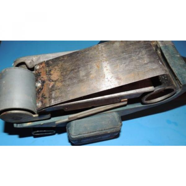 Bosch 3 x 24 Variable Speed Belt Sander 1272 with Bag USA #6 image