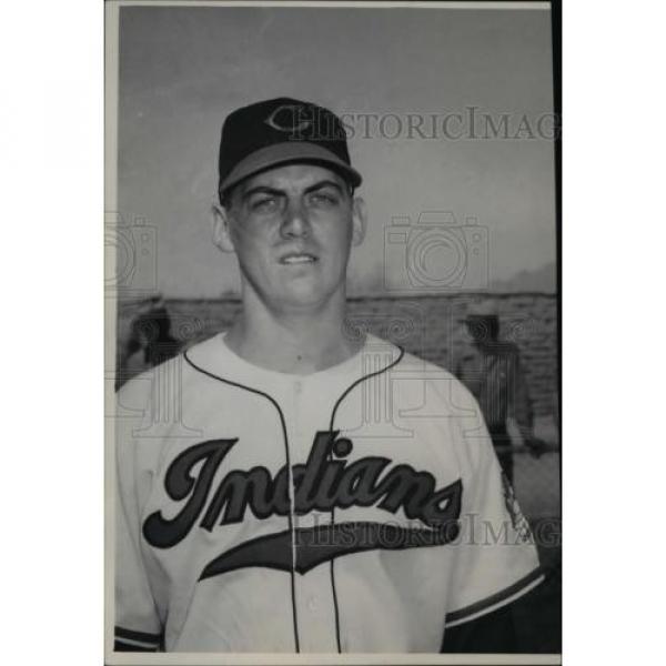 1949 Press Photo Lyman Linde-Indians baseball player - cvb45329 #1 image