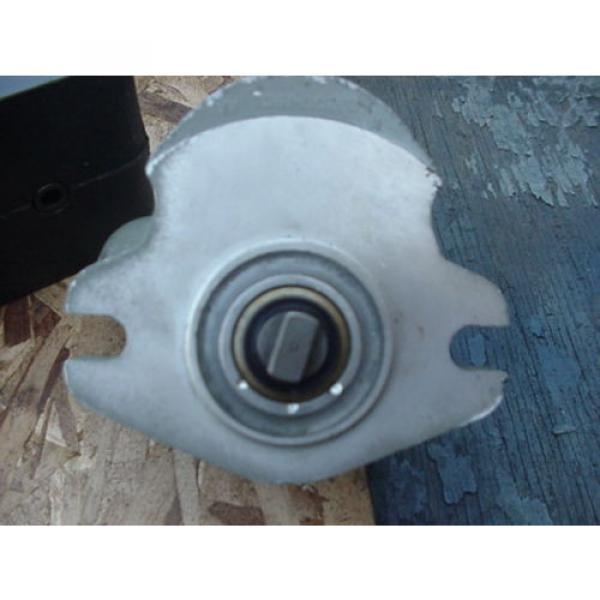 origin Eaton Cessna hydraulic gear pump 24206 LAS 24206LAS tang drive #2 image