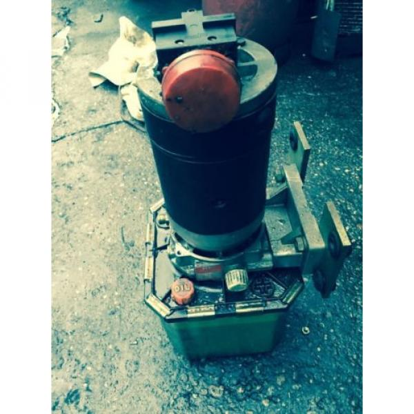 Electric Hydraulic Pump & Reservoir  from 1994 Linde L14 Fork Lift. Breaking. #4 image