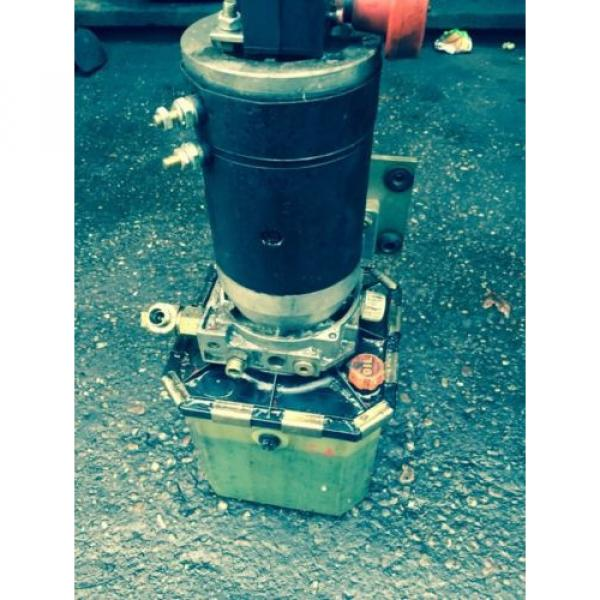 Electric Hydraulic Pump & Reservoir  from 1994 Linde L14 Fork Lift. Breaking. #5 image