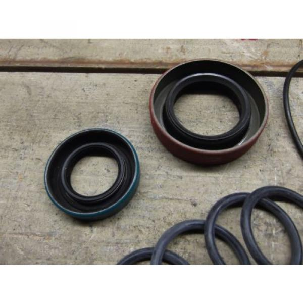 KOMATSU DRESSER 939715C1 SEAL KIT! NAT: 470163, CR 14413  NEW SURPLUS!! #3 image